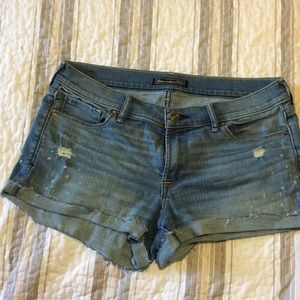 Abercrombie low rise shorts